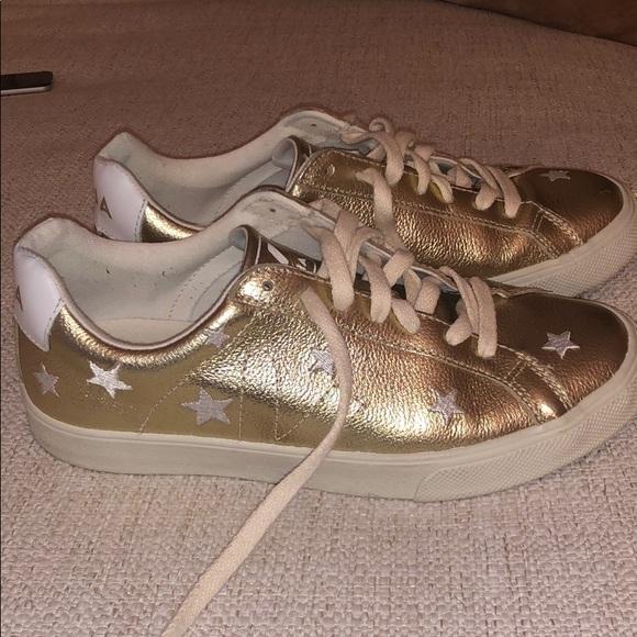 Veja Esplar Low Gold Star Embroidered